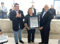 DIRETORA DO COLÉGIO ZULEIDE CONSTANTINO RECEBE TÍTULO DE CIDADÃ JABOATONENSE
