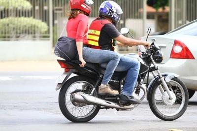 PREFEITURA QUER PROIBIR ATUAÇÃO DE MOTOTAXISTAS