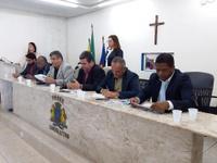 SESSÃO EXTRAORDINÁRIA CONFIRMA POSSE DA MESA DIRETORA